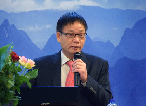Mr. Dong Zhlin, TCMned president